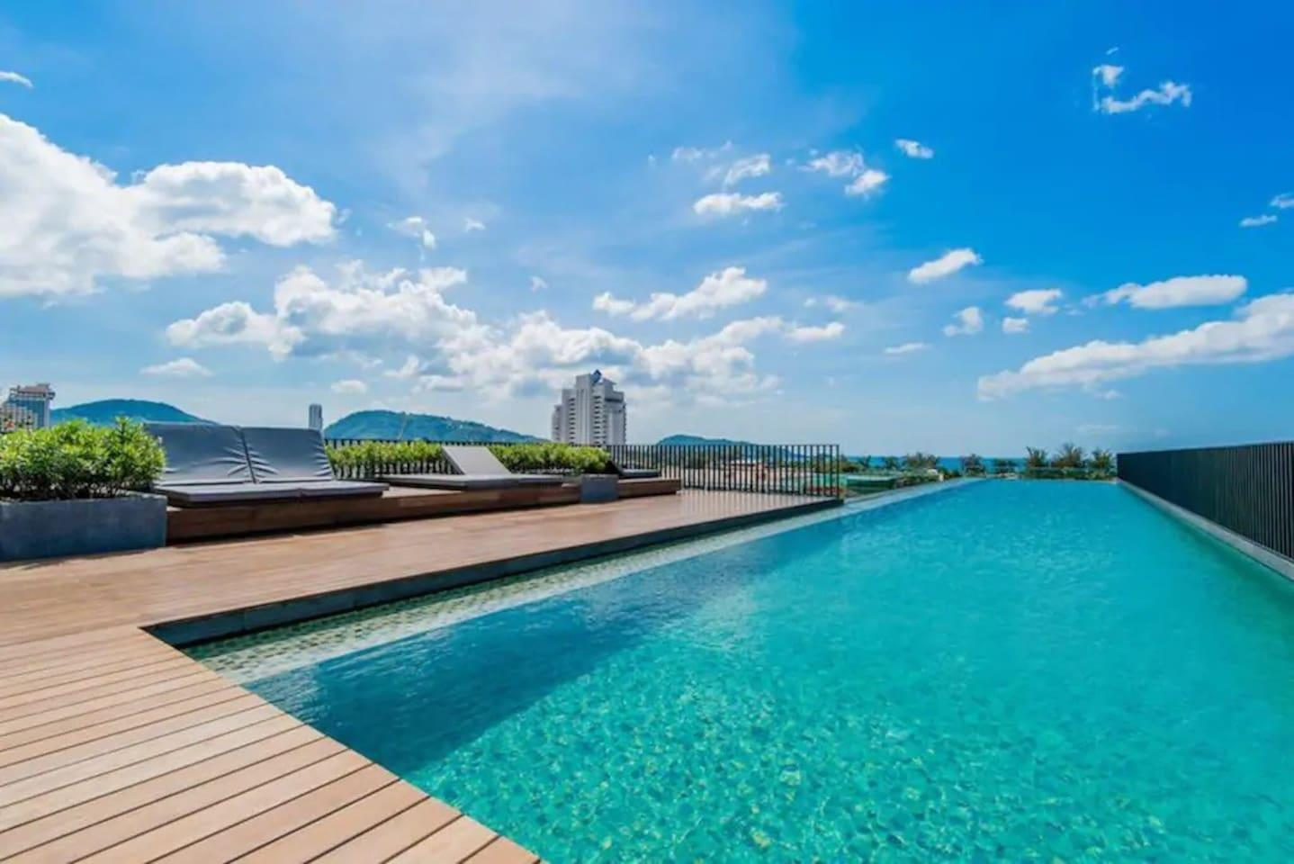 One Bedroom And Roof Top Pool At Patong Beach  D62