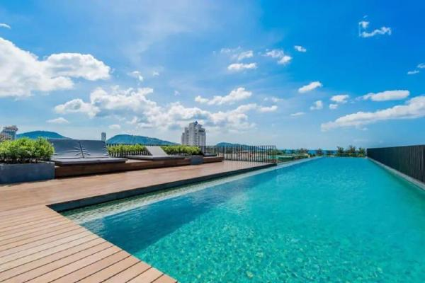 One bedroom & roof top pool at Patong Beach #D62 Phuket