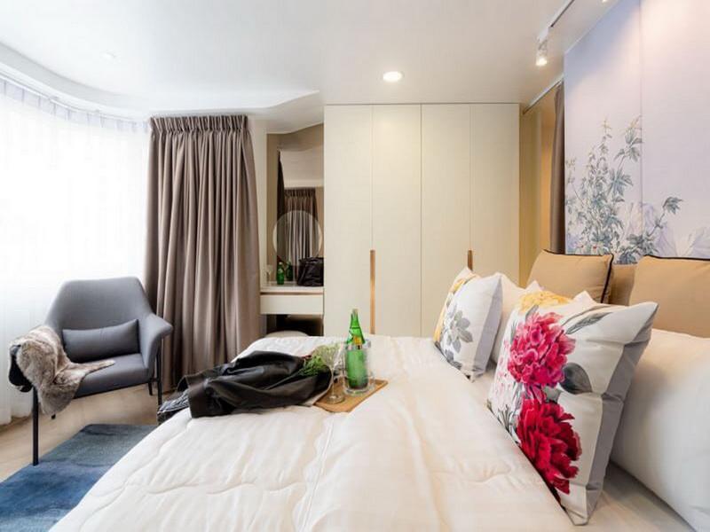 Luxury oriental art design  kitchen & living area วิลลา 1 ห้องนอน 1 ห้องน้ำส่วนตัว ขนาด 35 ตร.ม. – นิมมานเหมินทร์
