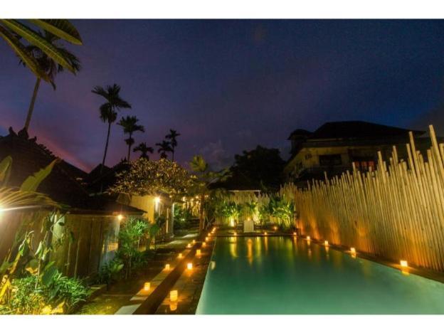 Green10BR Quite Hidden Villa close to Ubud  Center
