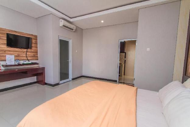 Huge Apartment with Low-cost close to the beach