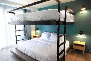 simply Quad Room with Balcony 1 ห้องนอน 1 ห้องน้ำส่วนตัว ขนาด 30 ตร.ม. – สีลม