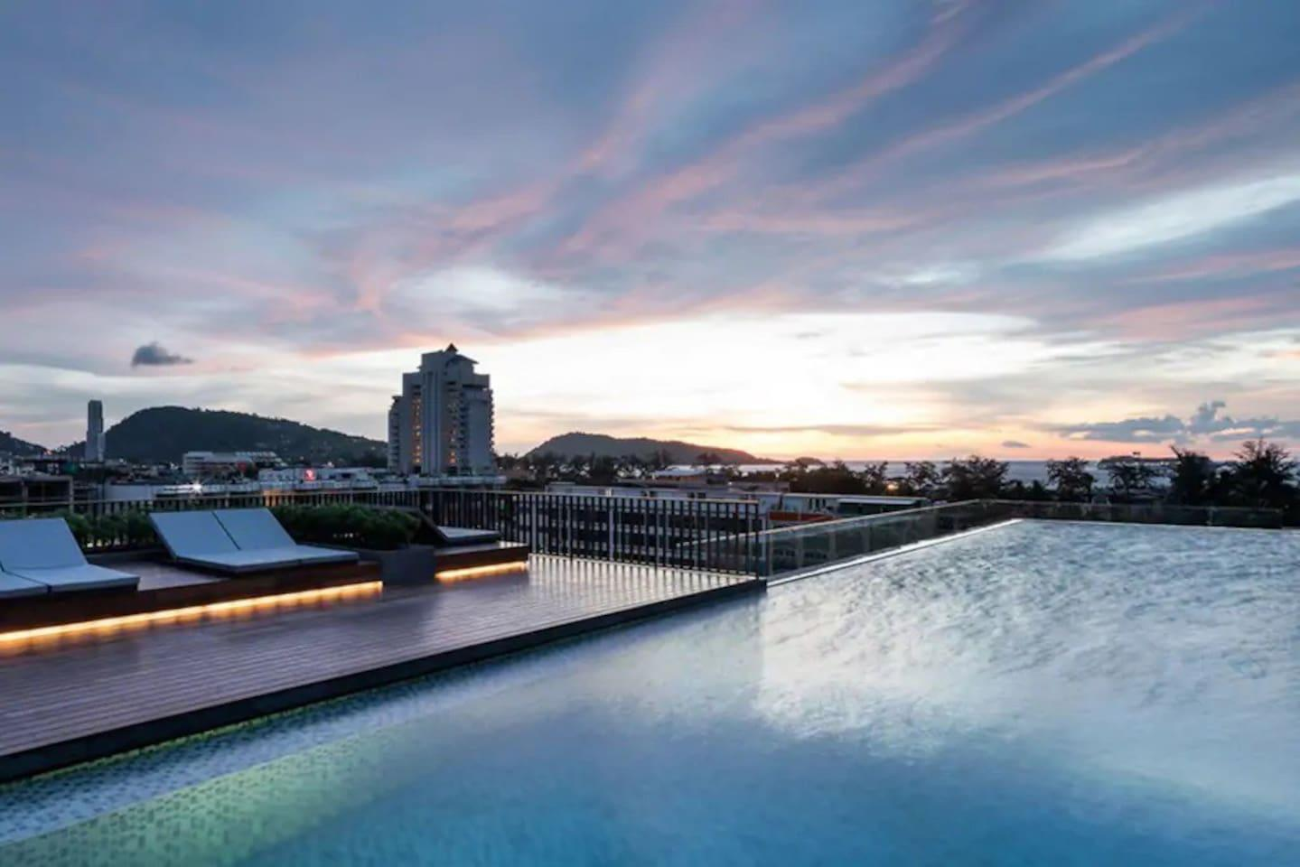 Two Bedrooms And Roof Top Pool At Patong Beach  D203