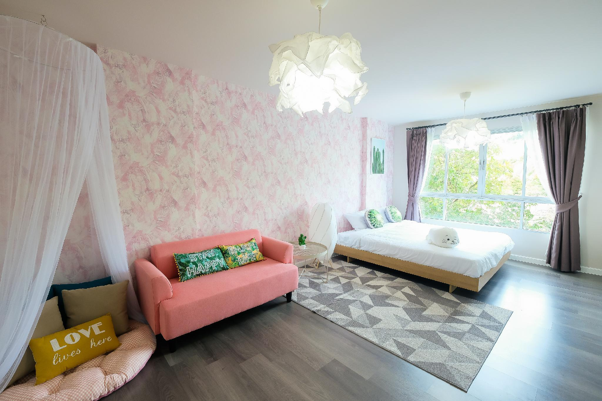 Palm Leaf And Pastel Pink Condo In Phuket Town +WIFI