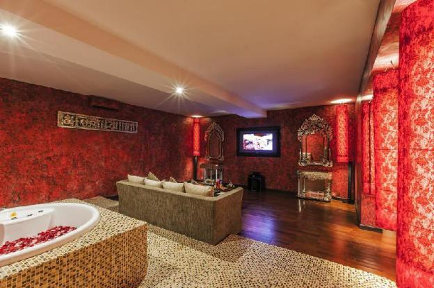 Decorated in an ethnic style,Suite Features Garden