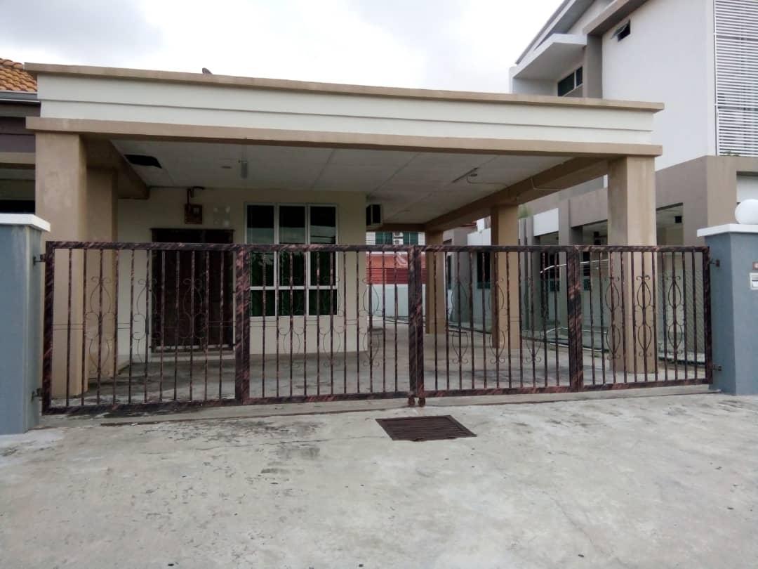 8-10 Pax Sena Residence Homestay 4817