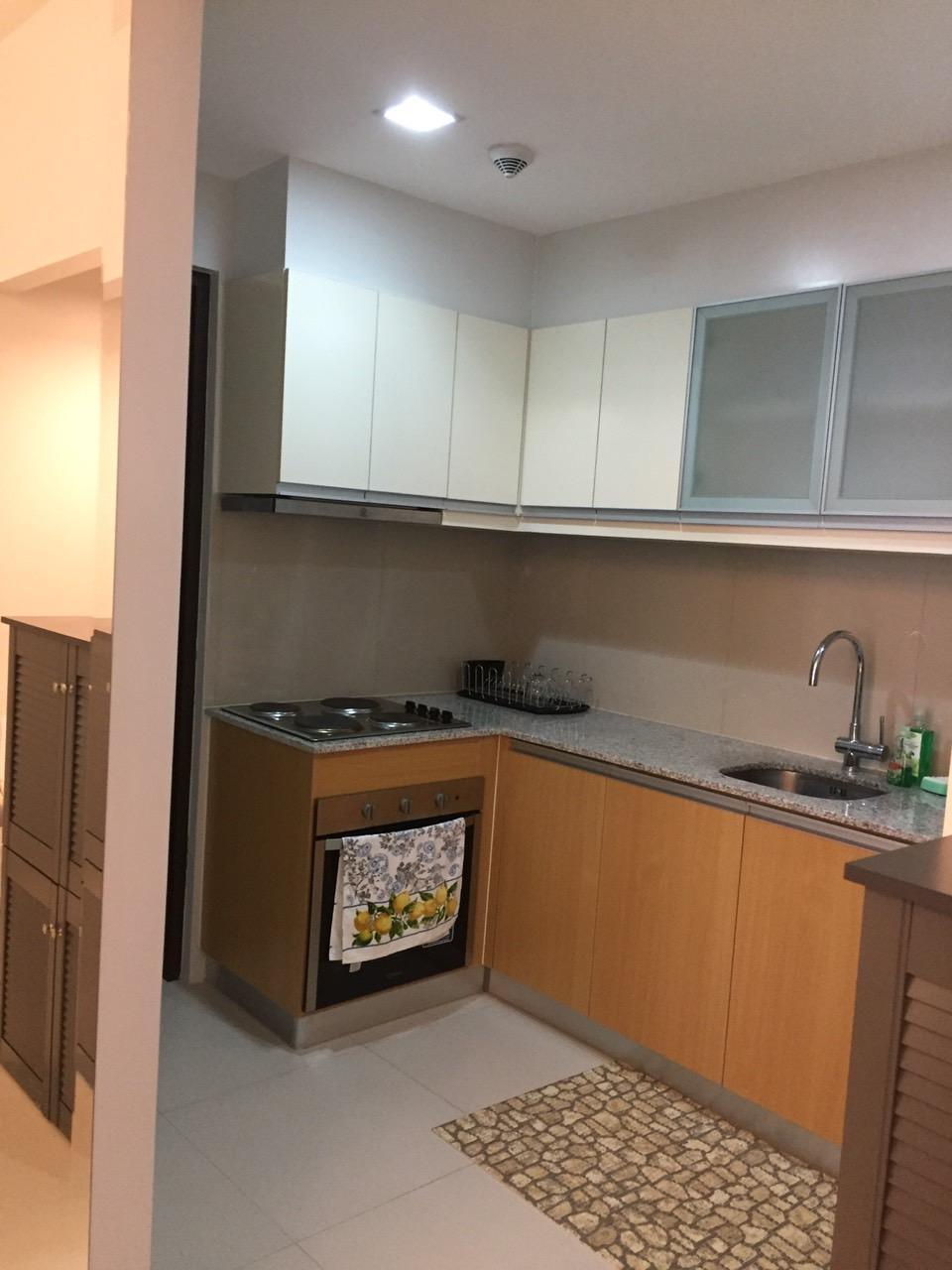 Cozy 2 bedroom in heart of Global City