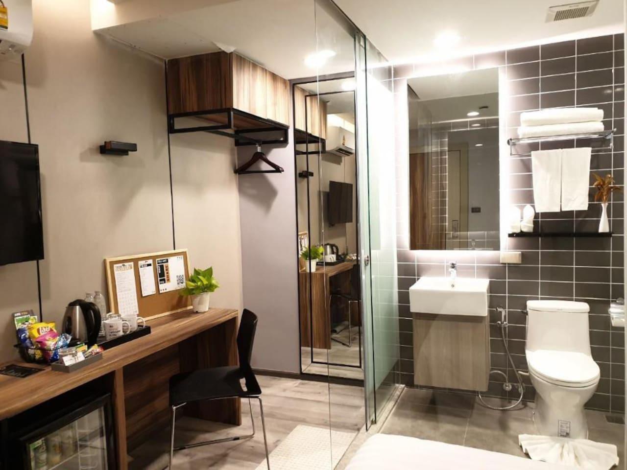 Comfortable room 10 minutes to BTS Phrom Pong อพาร์ตเมนต์ 1 ห้องนอน 1 ห้องน้ำส่วนตัว ขนาด 15 ตร.ม. – สุขุมวิท