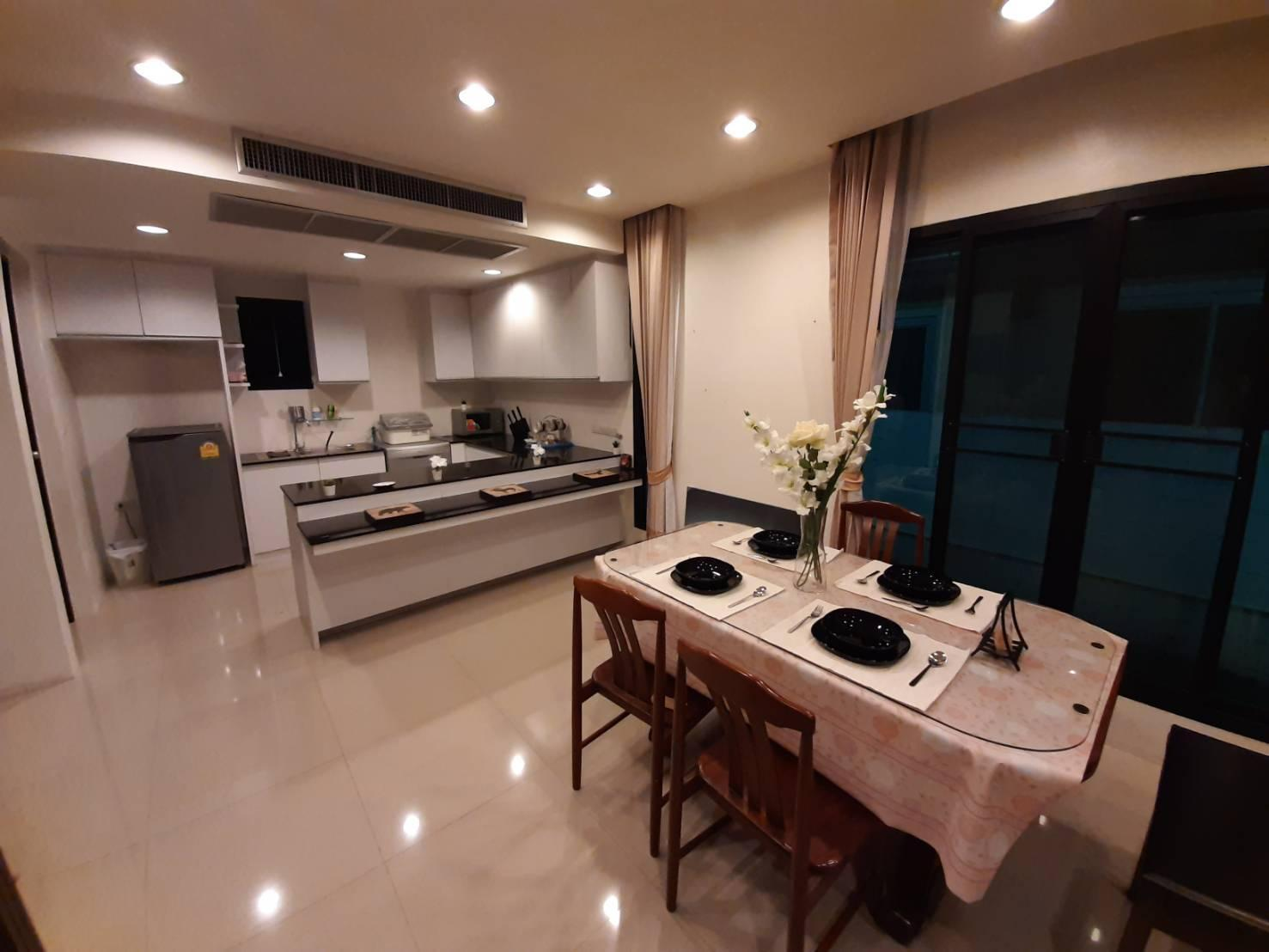 Modern Thai Style Private House บ้านเดี่ยว 2 ห้องนอน 3 ห้องน้ำส่วนตัว ขนาด 150 ตร.ม. – สนามบินนานาชาติดอนเมือง