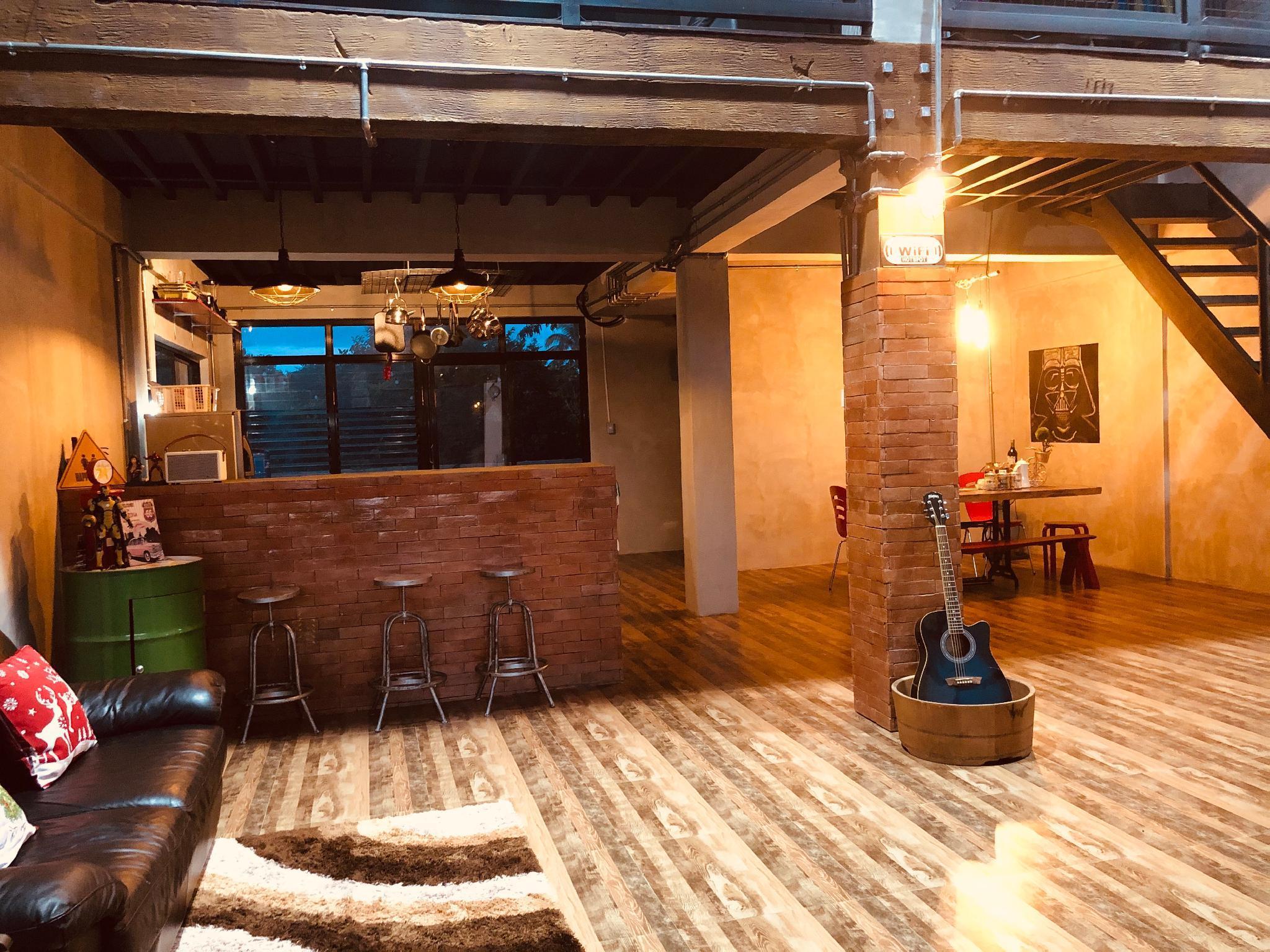 Tagaytay cozy industrial 'LOFT'