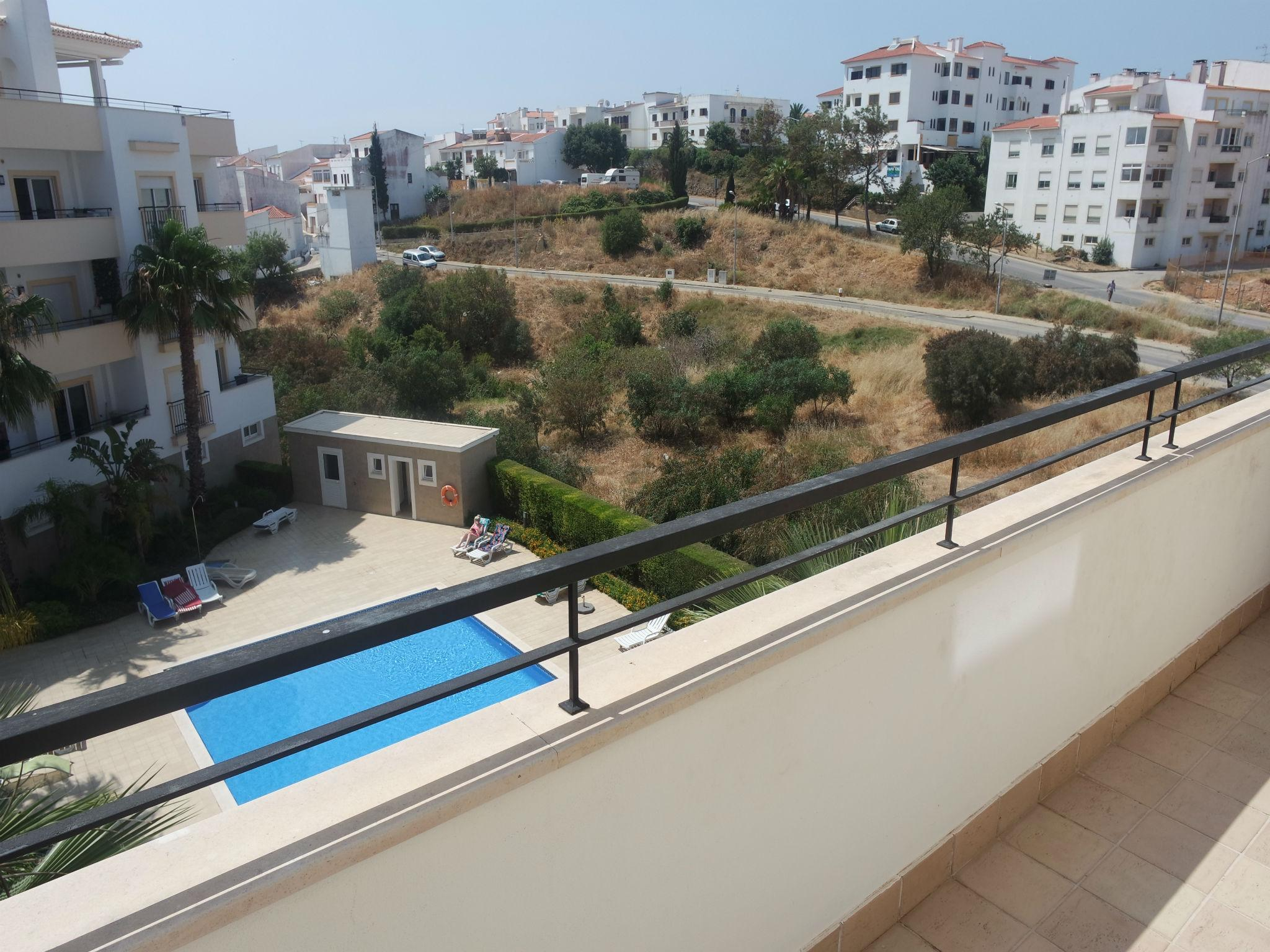 C04   Pool View 3 Bed Apartment