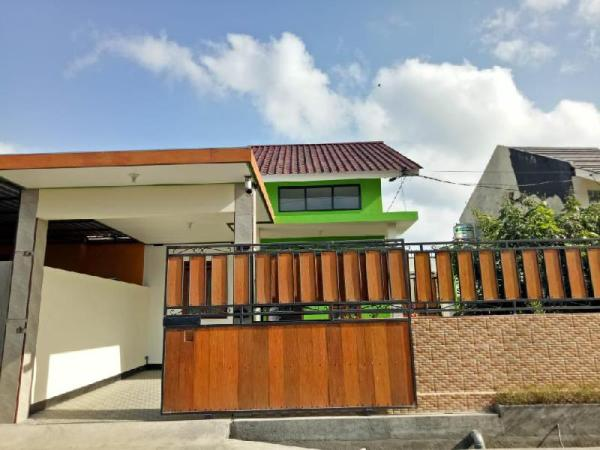 Private family house with outside Area/wifi Lombok