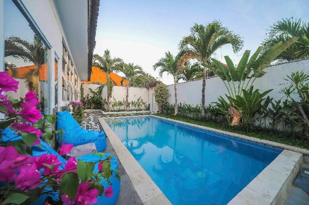 2 BR Tropical Designed Villa Near Seminyak