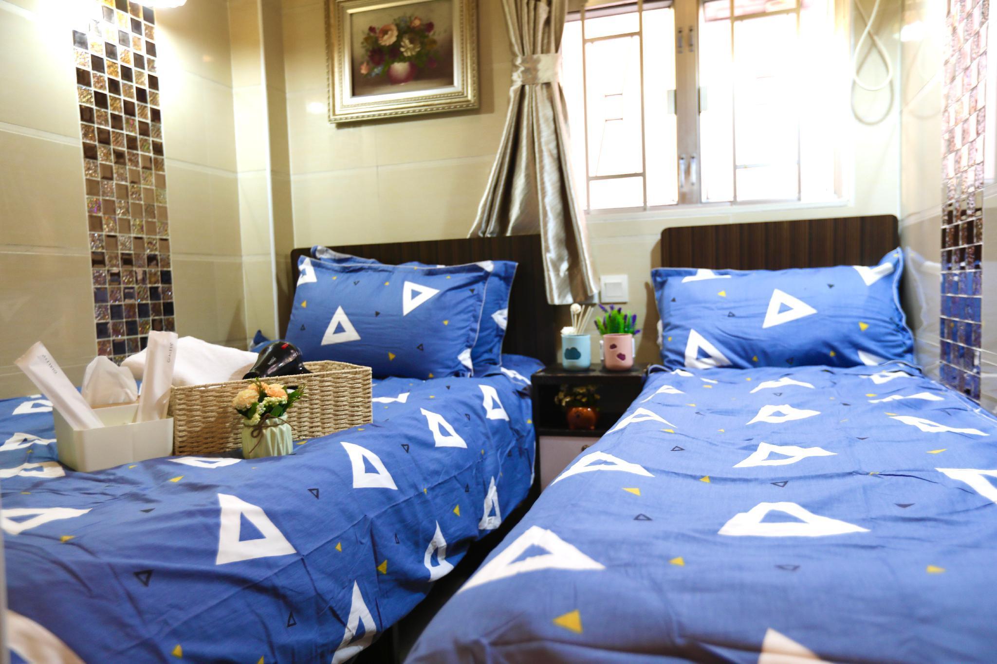#7 Tsim Sha Tsui 1 min MTR, Twin Bed for 3 PAX