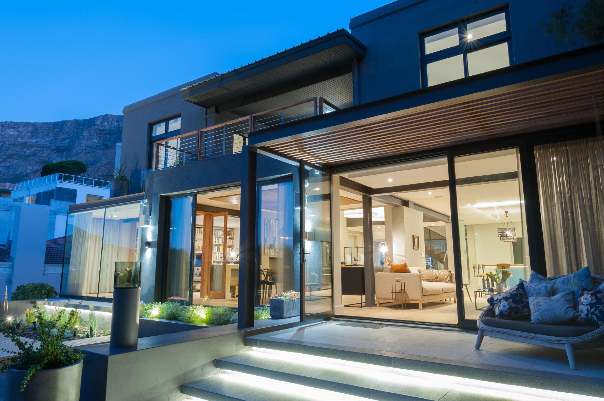 Luxury 4 Bedrooms Higgo Bay Villa