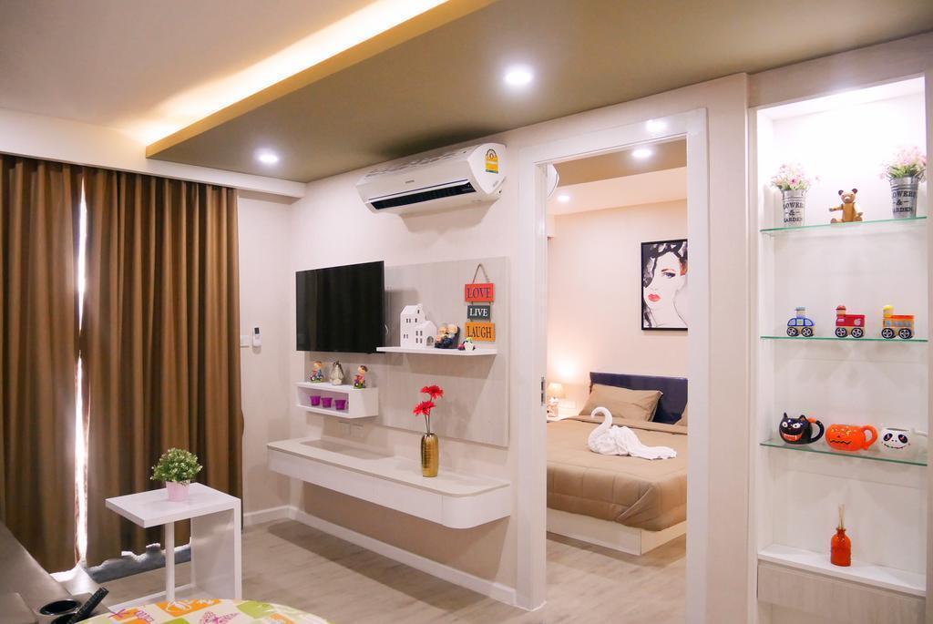 Seven Seas Resort Pattaya And Sofa Bed
