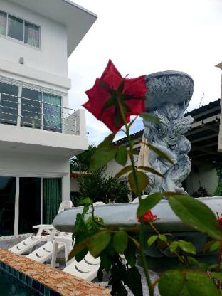 [ターポン]ヴィラ(400m2)| 4ベッドルーム/4バスルーム Nonnyse Pool Villa ,  Mae rampung Beach Rayong