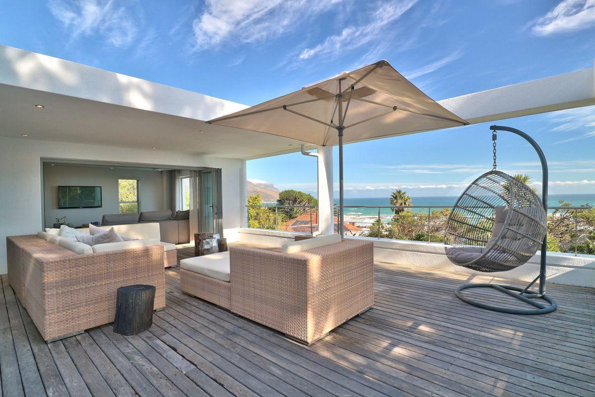 Luxury 5 Bedrooms Bay Beach Villa in Camps Bay
