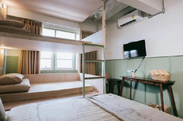 New! Family room (for3-4 guests)Thapae Gate/Wifi Chiang Mai