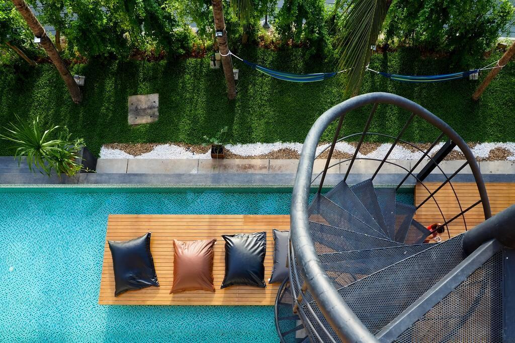 Single Bed 8 Bed Dormitory At Phuket Old Town