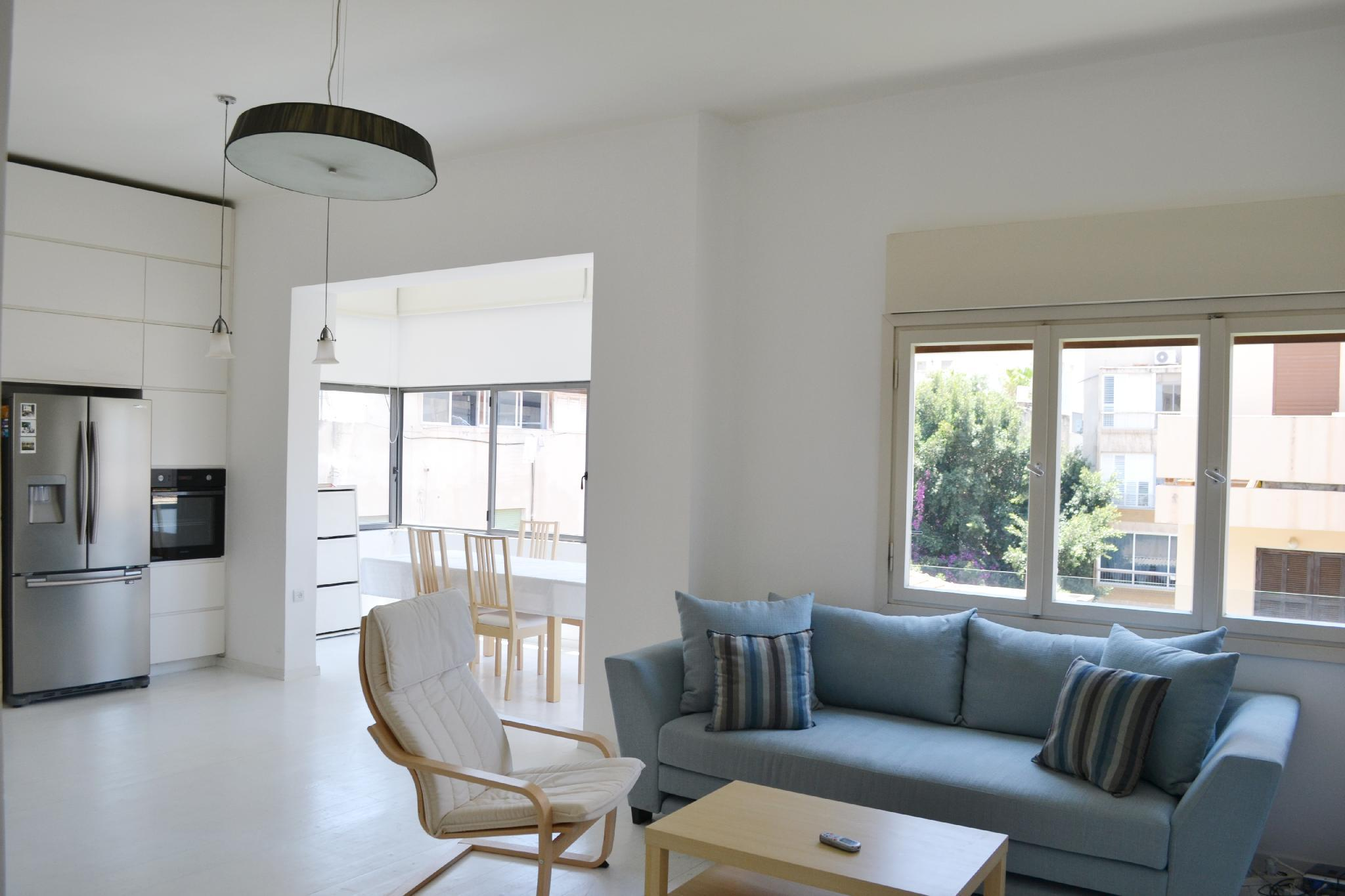 Modern Apartment   Rothschild   Very Central  TL7
