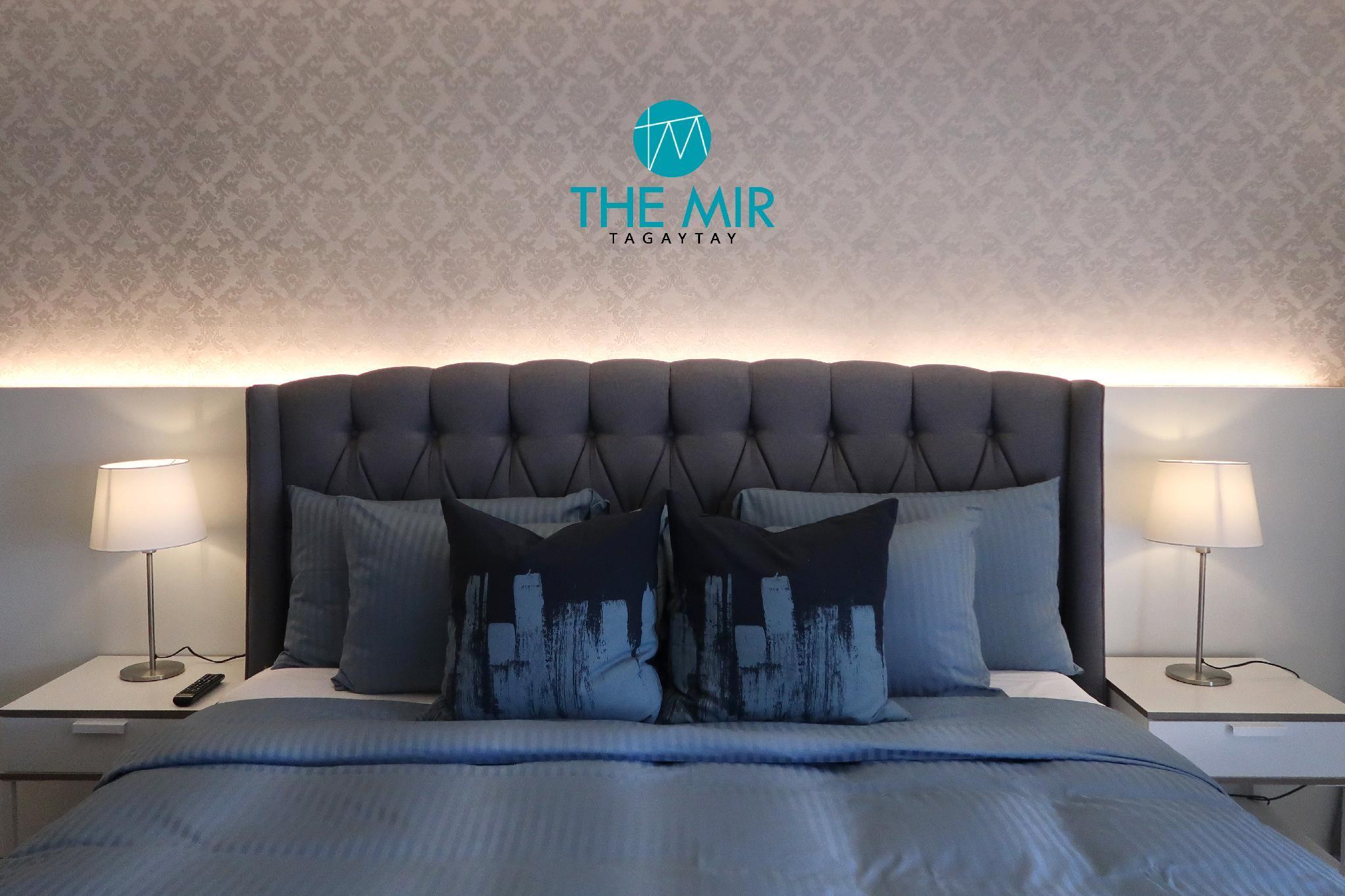 NEW Luxury Condo in Tagaytay! With Fibr & Netflix!