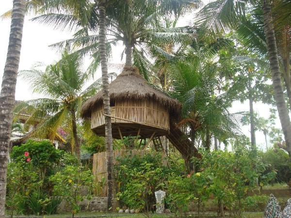 The Romantic Coconut Tree Hut of Villa Arjuna Bali
