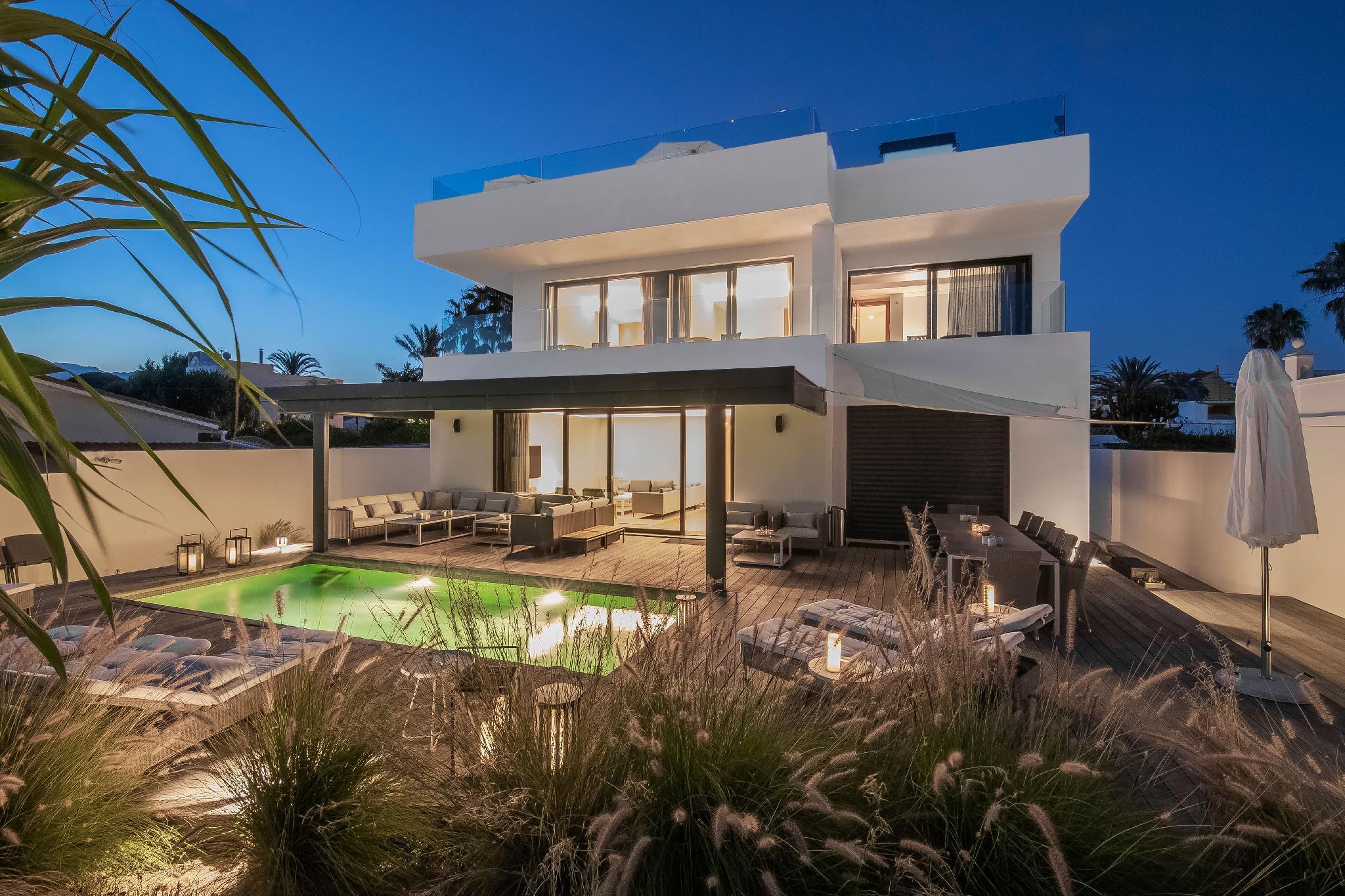 Malibu Style Beach Villa In Marbella*****
