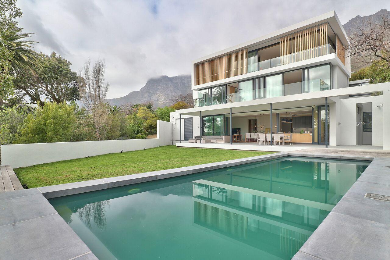 Stylish And Spacious 5 Bedrooms The Glen Villa