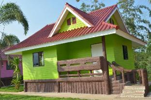 [ワンナムケオ]一軒家(60m2)| 2ベッドルーム/1バスルーム Baan see-khiew (green house)