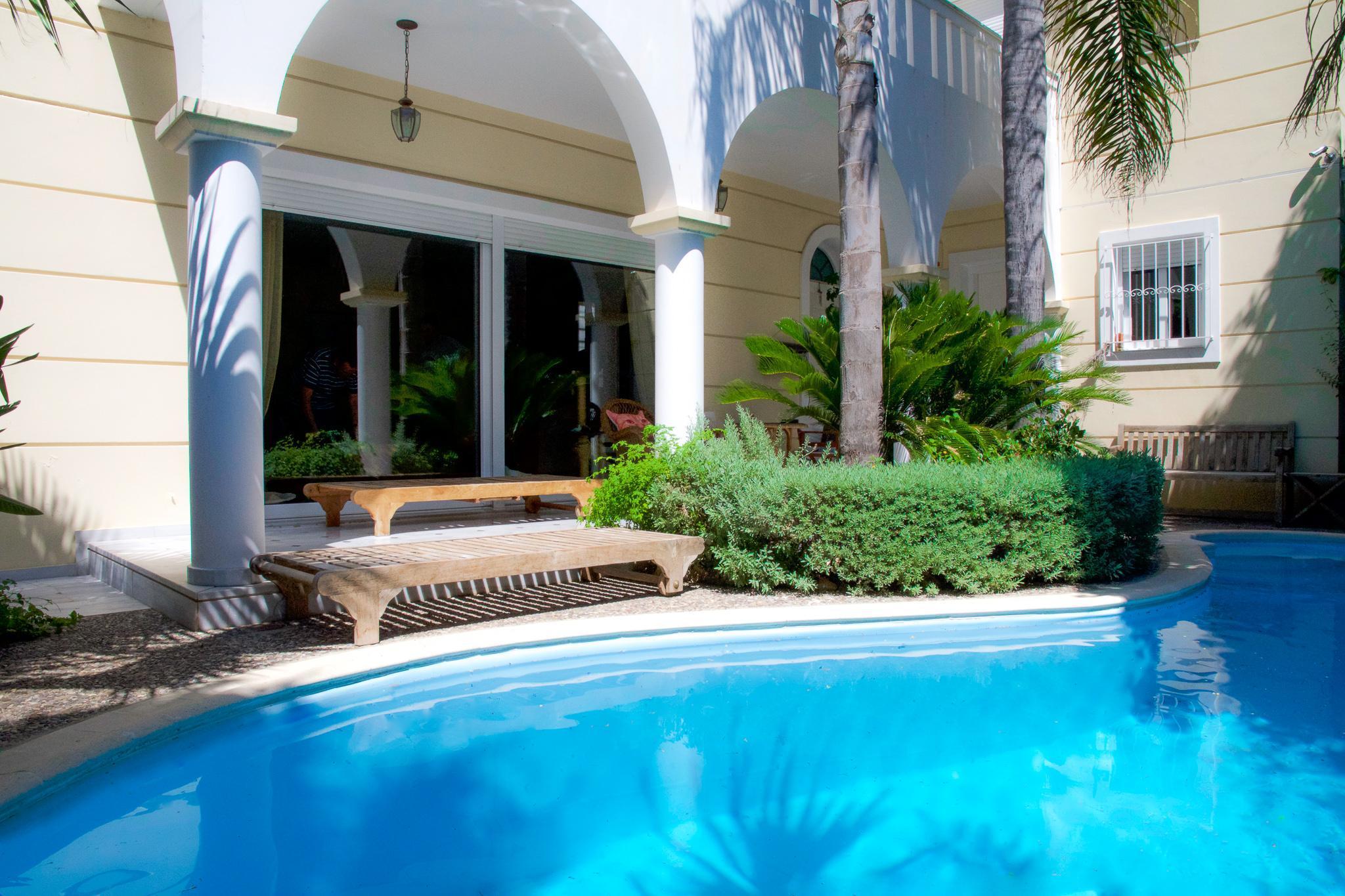 Luxurious Villa Hidden Paradise In Athens Riviera