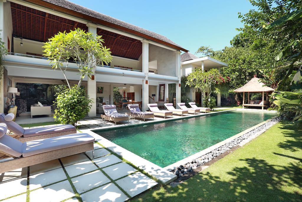 4 BR+Private Pool+heating+Brkfst @ 85 Seminyak