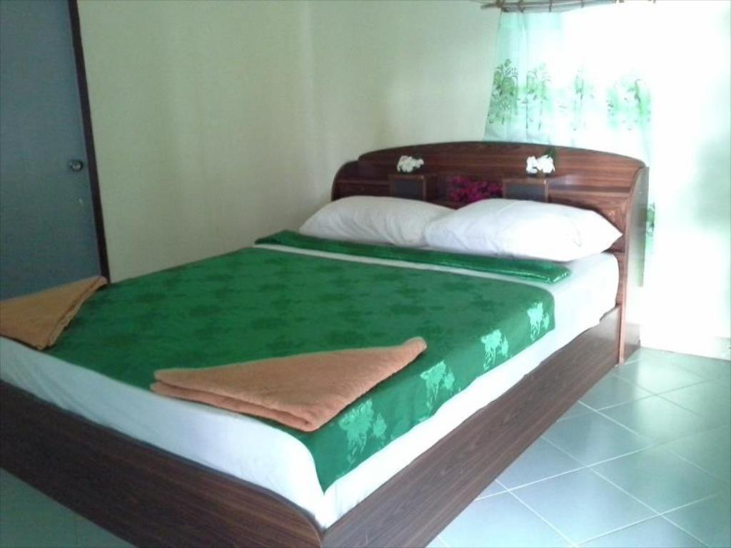 Racha Sunset Resort  Double Air Conditioning บังกะโล 1 ห้องนอน 1 ห้องน้ำส่วนตัว ขนาด 16 ตร.ม. – เกาะศรีบอยา