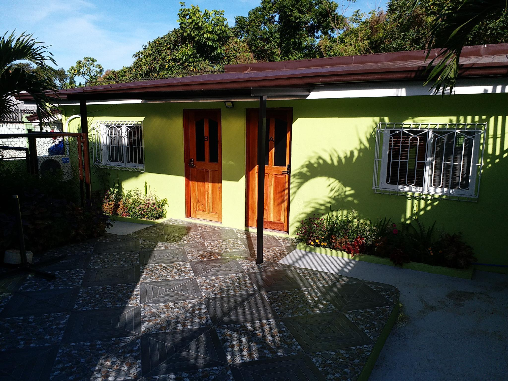 Beverly's Bungalow B