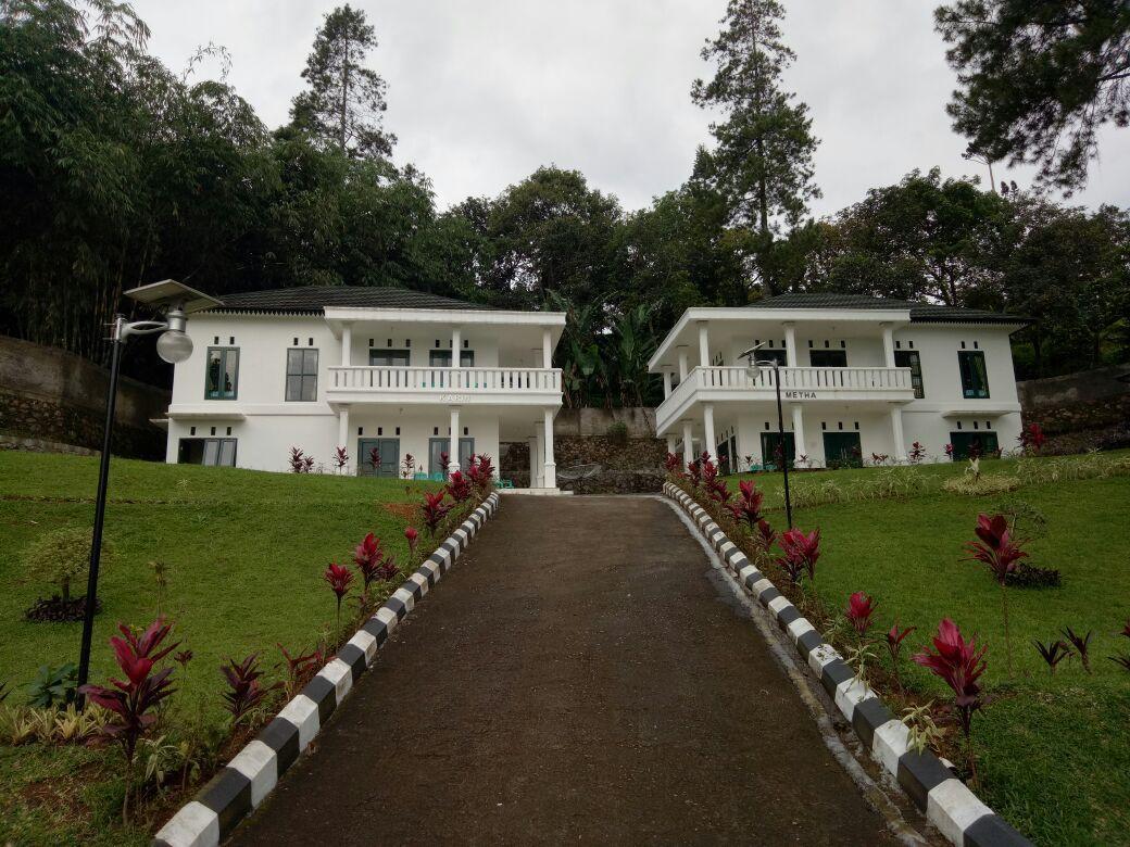 Villa Griya Wira Karya   Metha