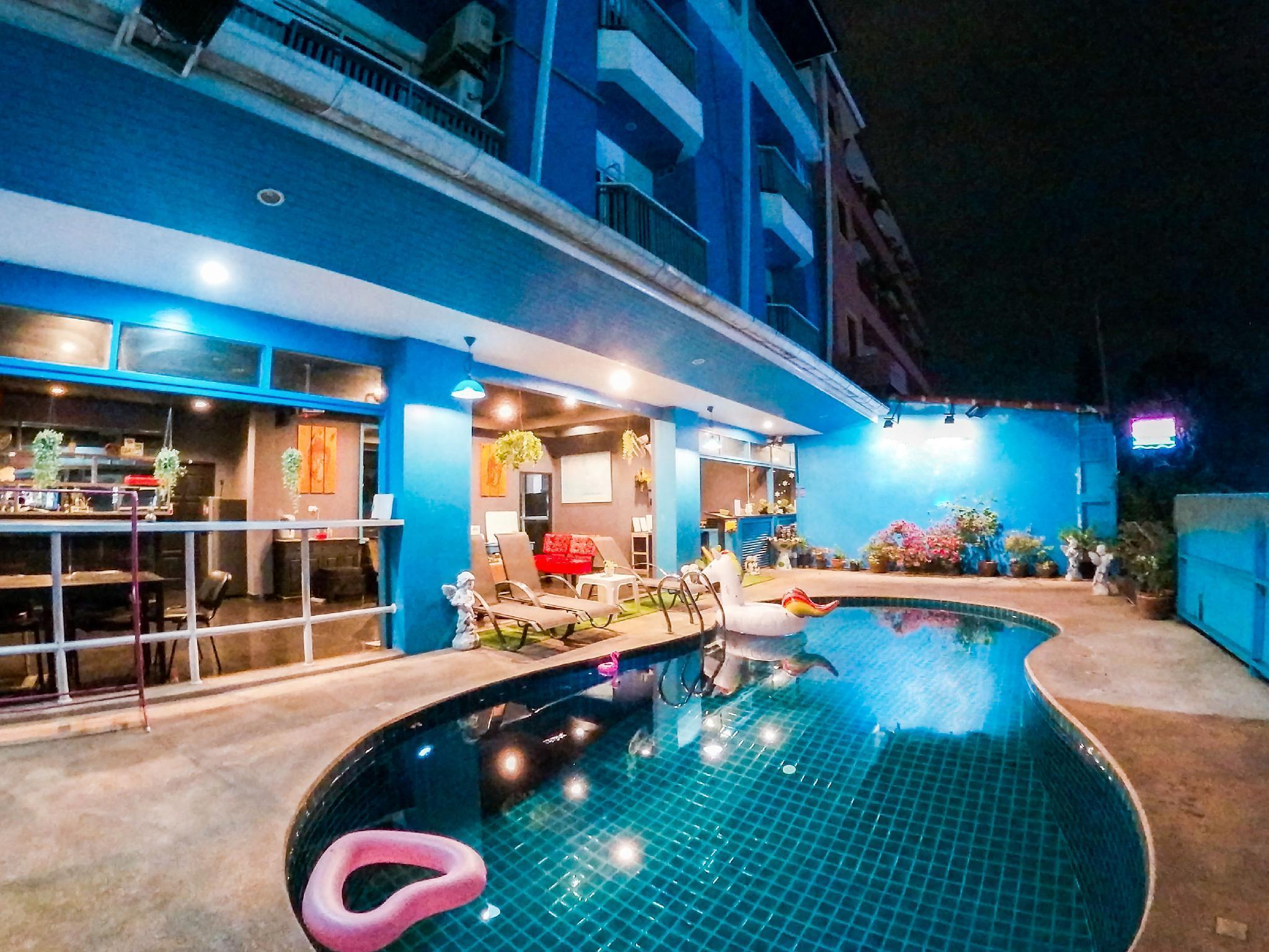 The Bluewaves Home 19BR w/Private Pool in Patong วิลลา 19 ห้องนอน 19 ห้องน้ำส่วนตัว ขนาด 320 ตร.ม. – ป่าตอง
