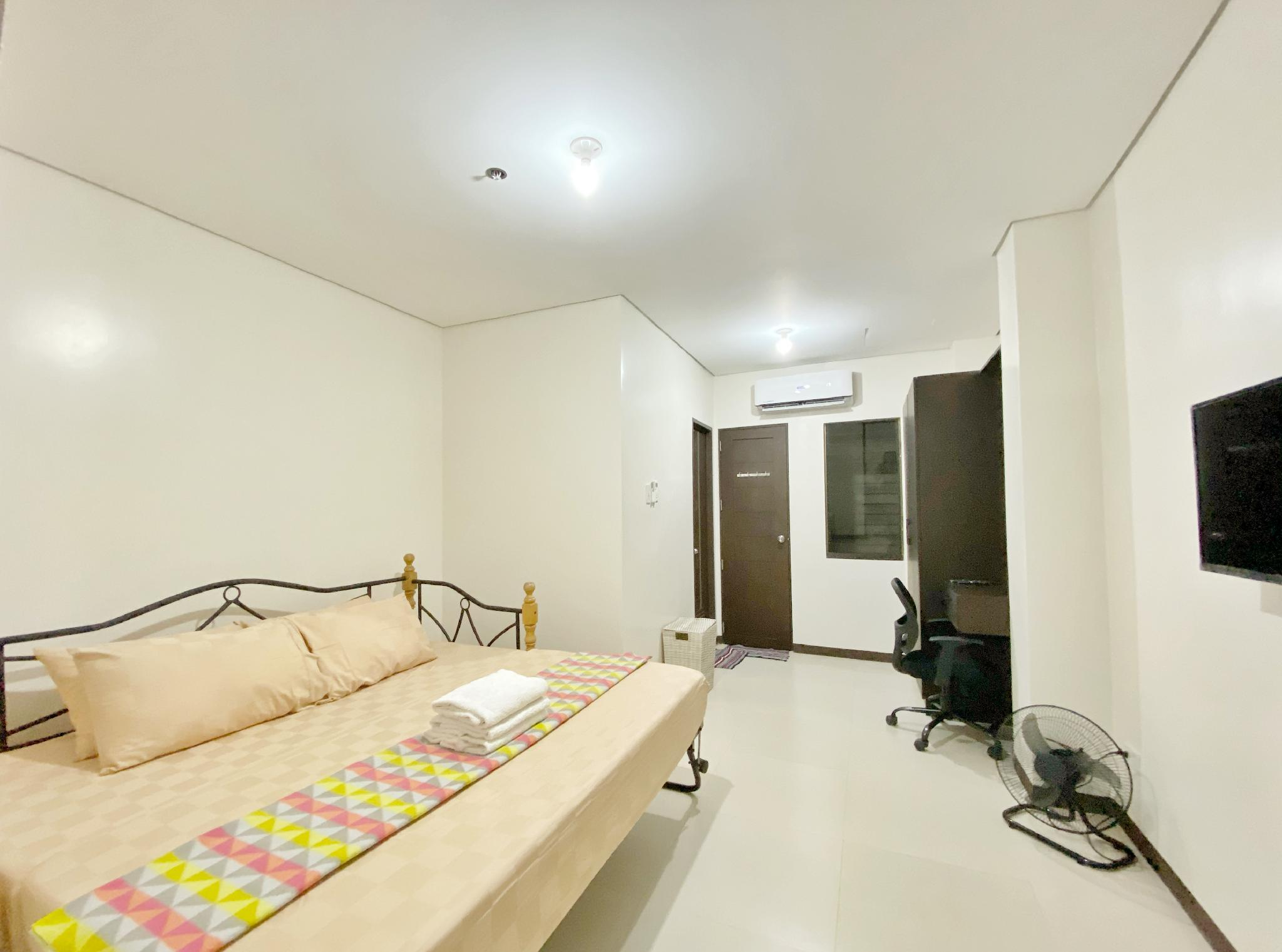 1 Bedroom Manila Abode