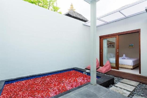 Romantic Villa in Radea Villa