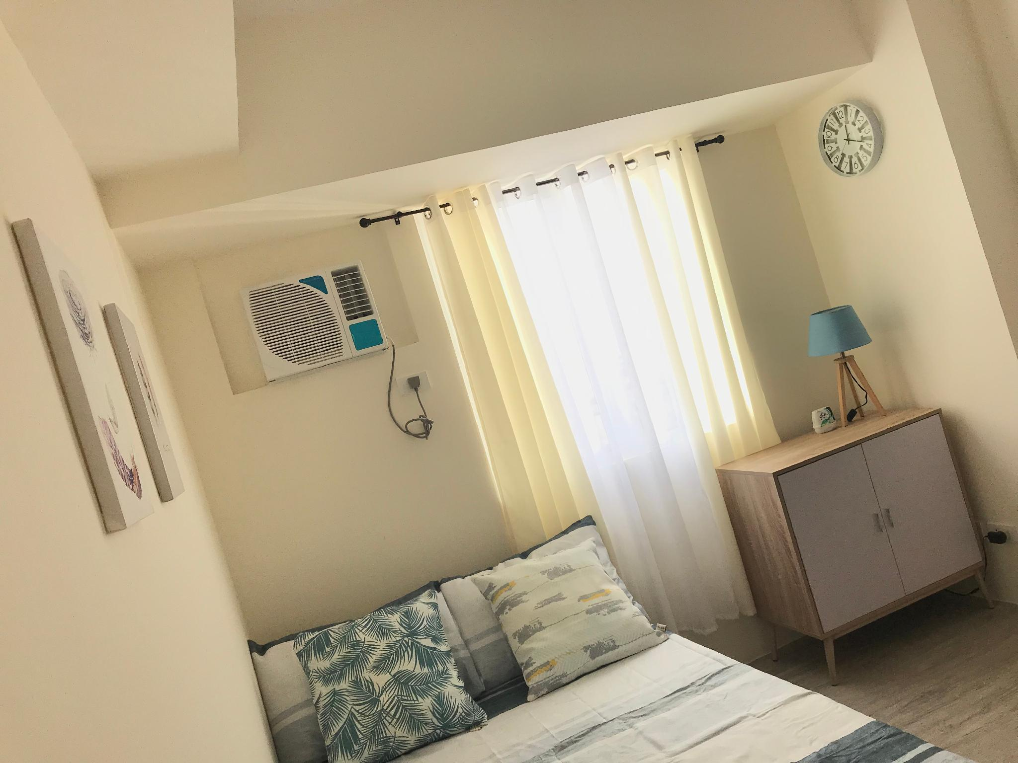 Prime Staycation Cubao w/ 25Mbps Wifi+Netflix+Pool