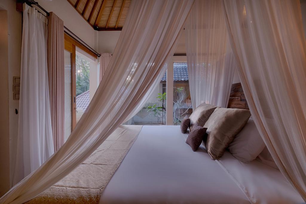 4 BR+Pool Villa+balcony terrace+Brkfst @ 13 Ubud