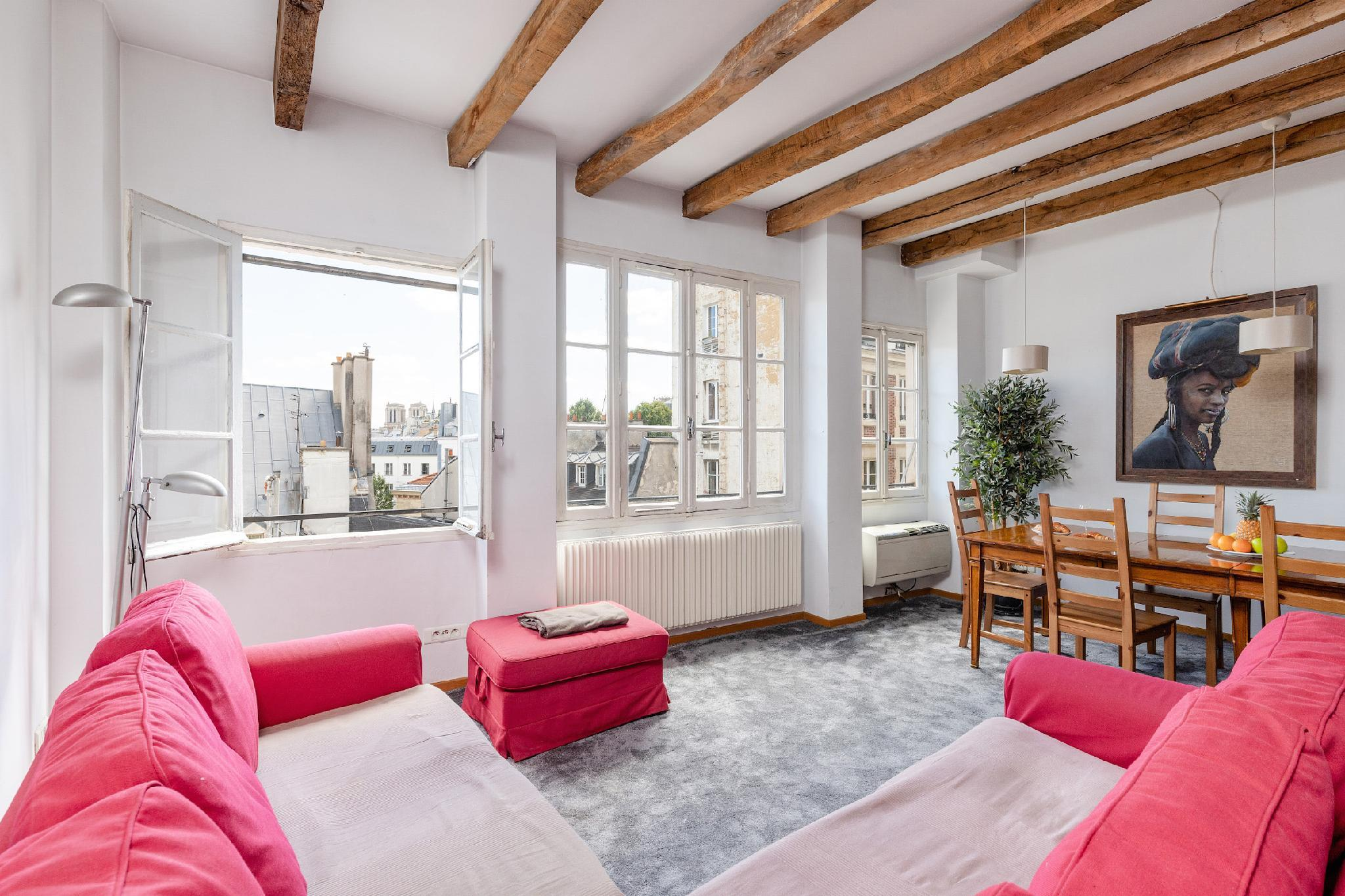 2BR IN THE HEART OF ST GERMAIN -NOTRE DAME VIEW