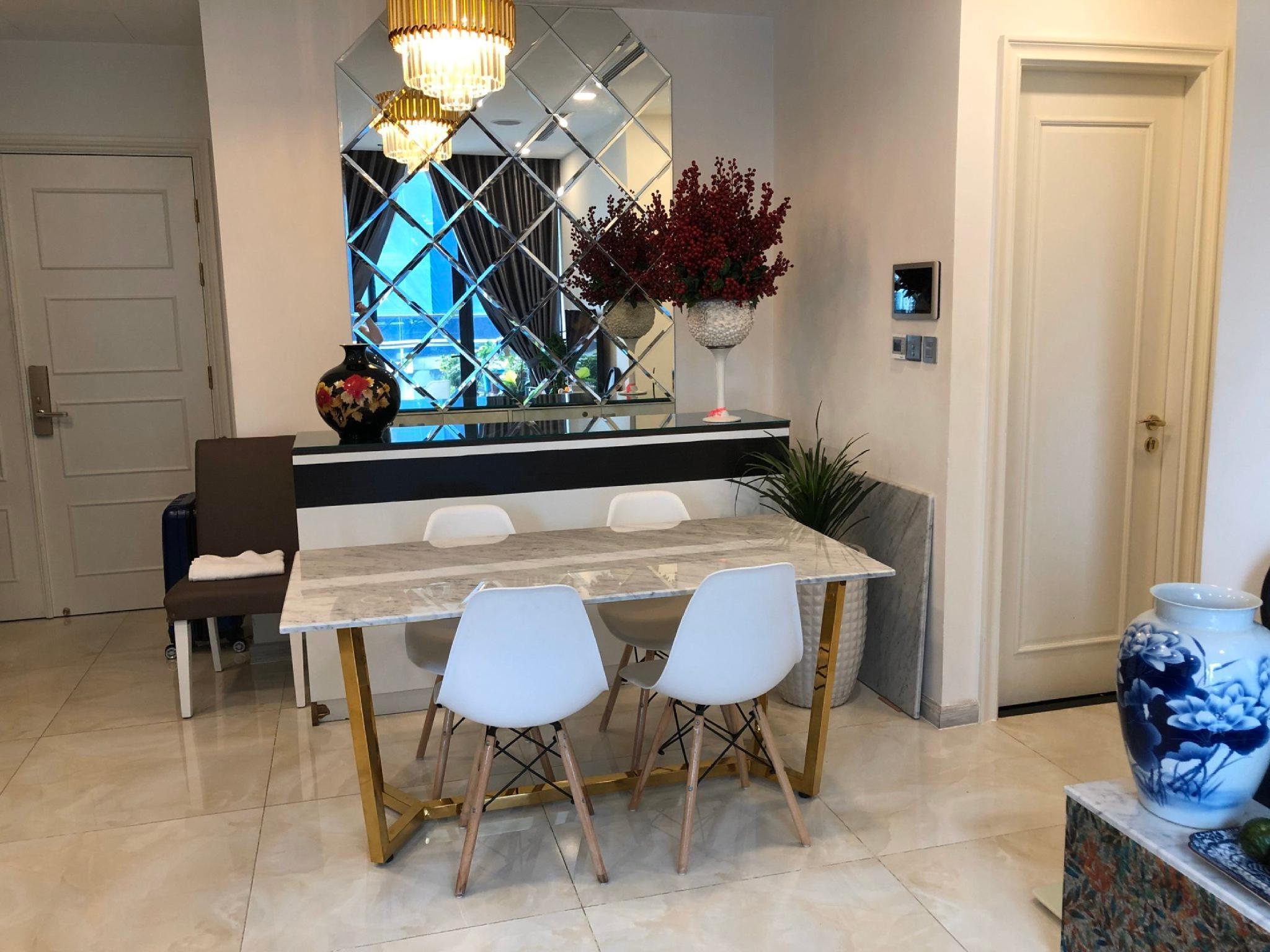 Vinhomes Golden River   Luxury 1 bedroom Apartment