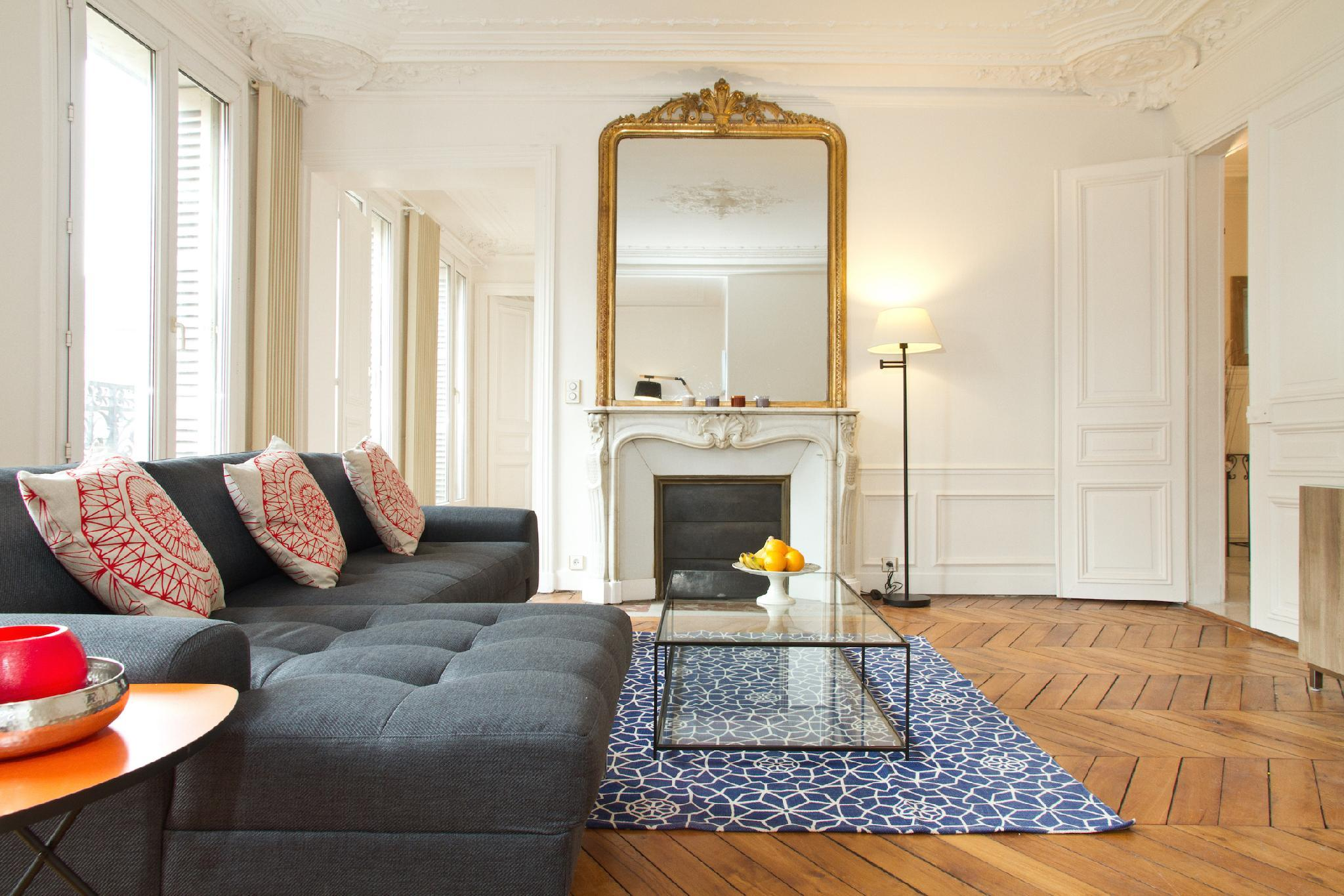 EIFFEL TOWER VIEW  LATIN QUARTER 3BR WITH BALCONY