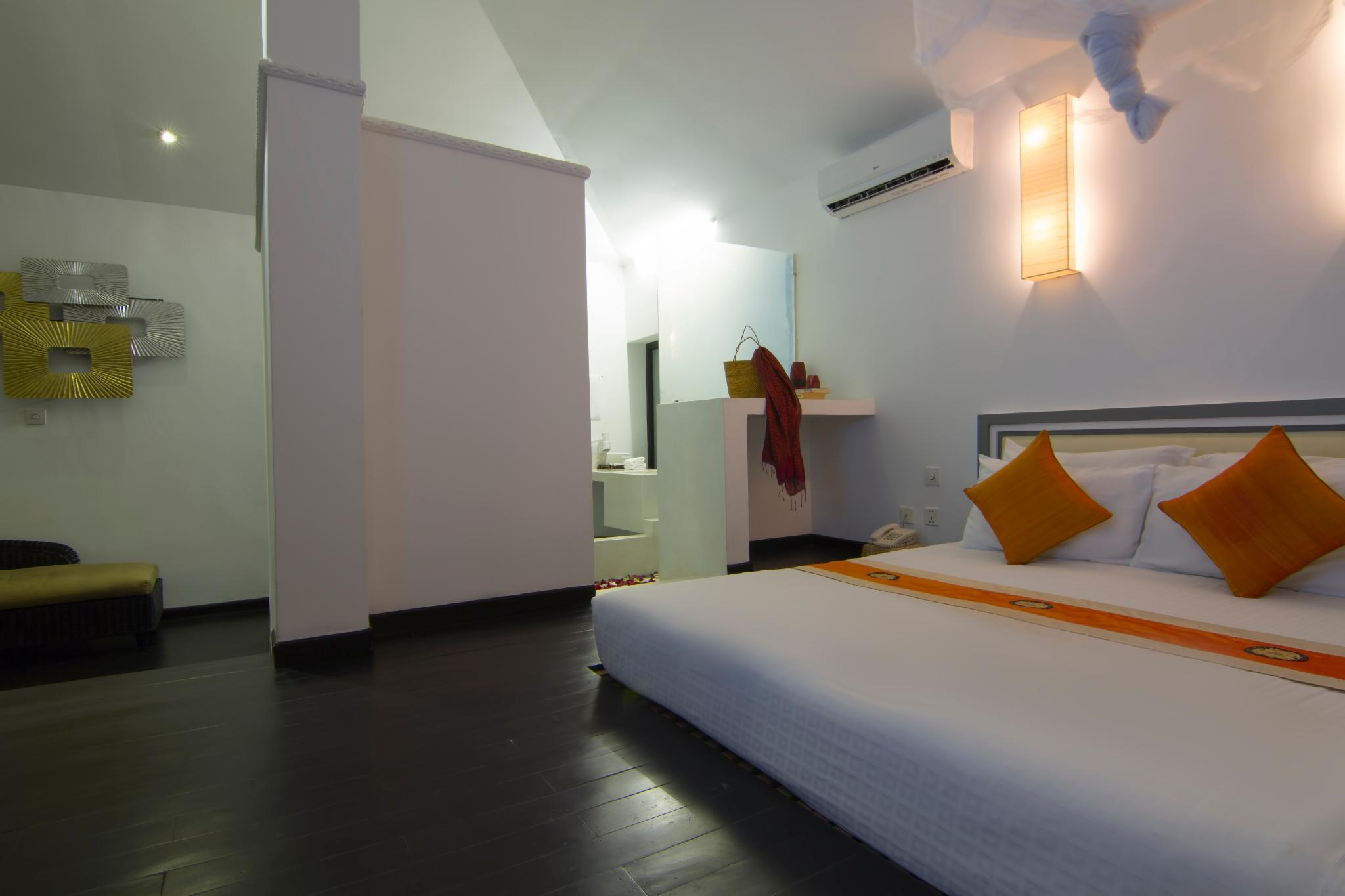 Private Deluxe Double  Room 202   Free Pick Up