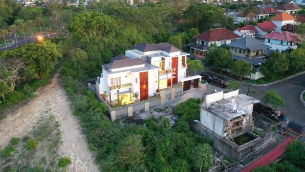 Saviour Modern Villa near Dreamland Beach