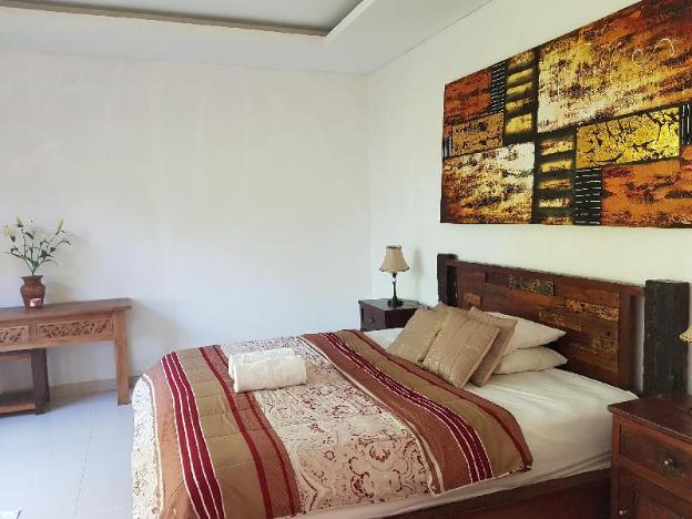 One Bed room Private With Share pool