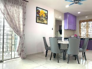 Фото отеля Cozy Townhouse VI | 5mins walk to Duty Free Shop |
