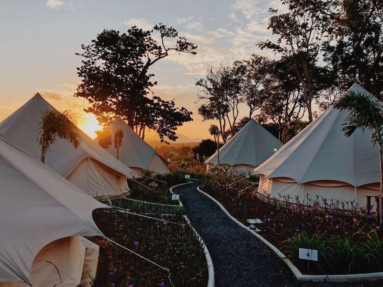 Tropical Garden Tent CAMPING 500m Away From Beach