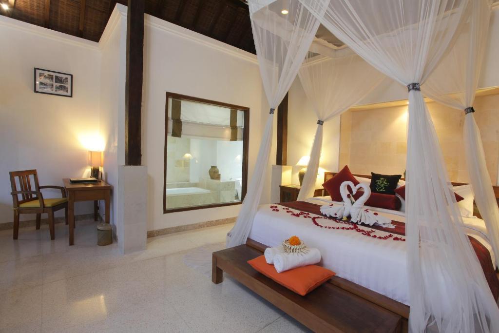 3 BR Villa+private Pool+Bathtub+Brkfst @ 182 Ubud