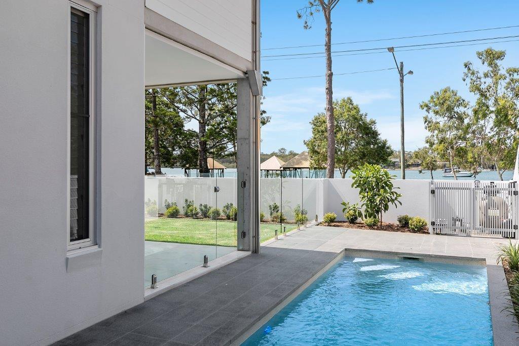 3 Bedroom Luxury Apartment On Gympie Terrace